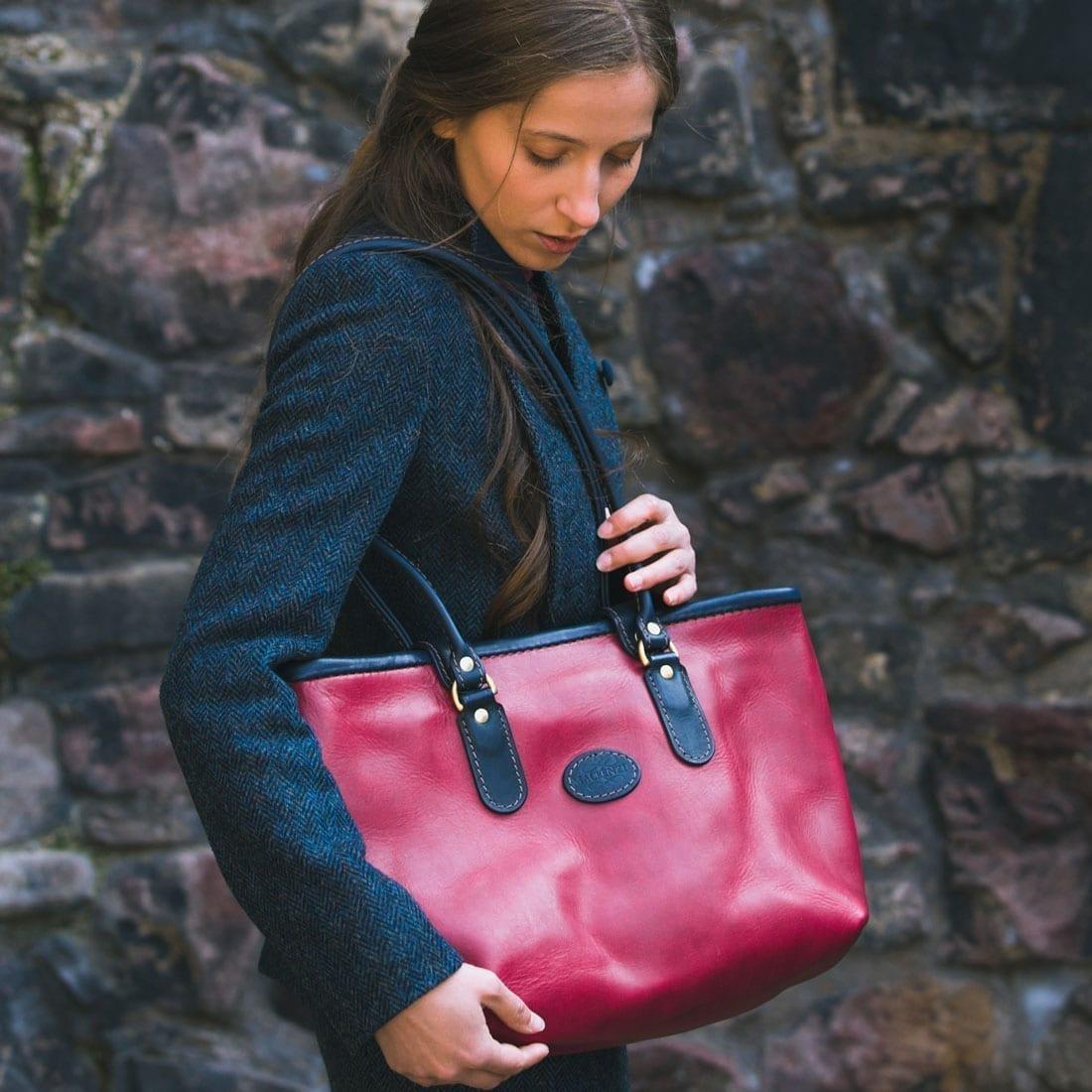 The Business Tote matt pink
